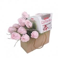 """Букет """"Розы и Raffaello"""""""