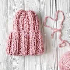 Вязаная шапка розовая Basic mini
