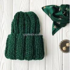 Вязаная женская шапочка зеленая Basic mini