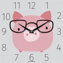 """Настенные часы """"Поросенок в очках"""""""