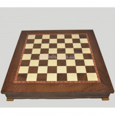 Шахматная доска с местом для укладки шахмат