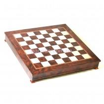Большая шахматная доска с местом для хранения шахмат