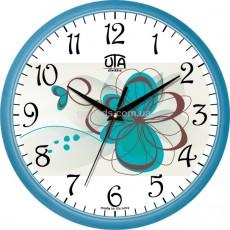 Настенные часы в нежно-голубых тонах