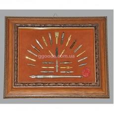 Подарочный набор перьев в деревянной рамке