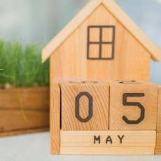 Вечный календарь деревянный
