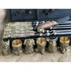 Набор шампуров Дикие звери с рюмками и ножом в кейсе