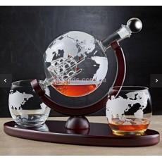Графин для алкогольных напитков с бокалами
