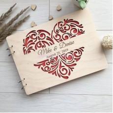 Свадебный фотоальбом с деревянной обложкой Сердце
