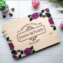 Свадебный фотоальбом с деревянной обложкой Цветы