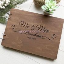 Свадебный альбом для фотографий в деревянной обложке