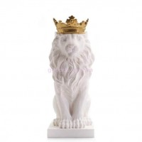 Статуэтка Лев в золотой короне белый
